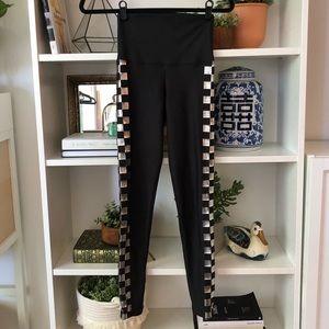 BEACH RIOT 🏁 checkered leggings